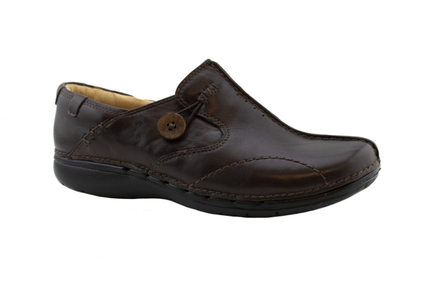Clarks Un Loop Brown Leather Angle Profile